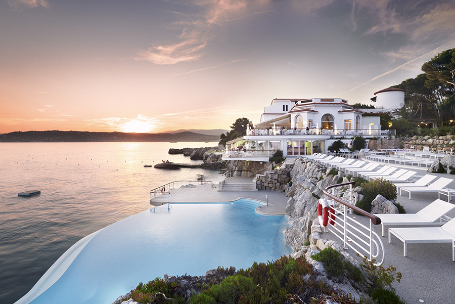 Hotel Du Cap-Eden-Roc in Antibes France is considered one of the lavish hotels for Solo Travel