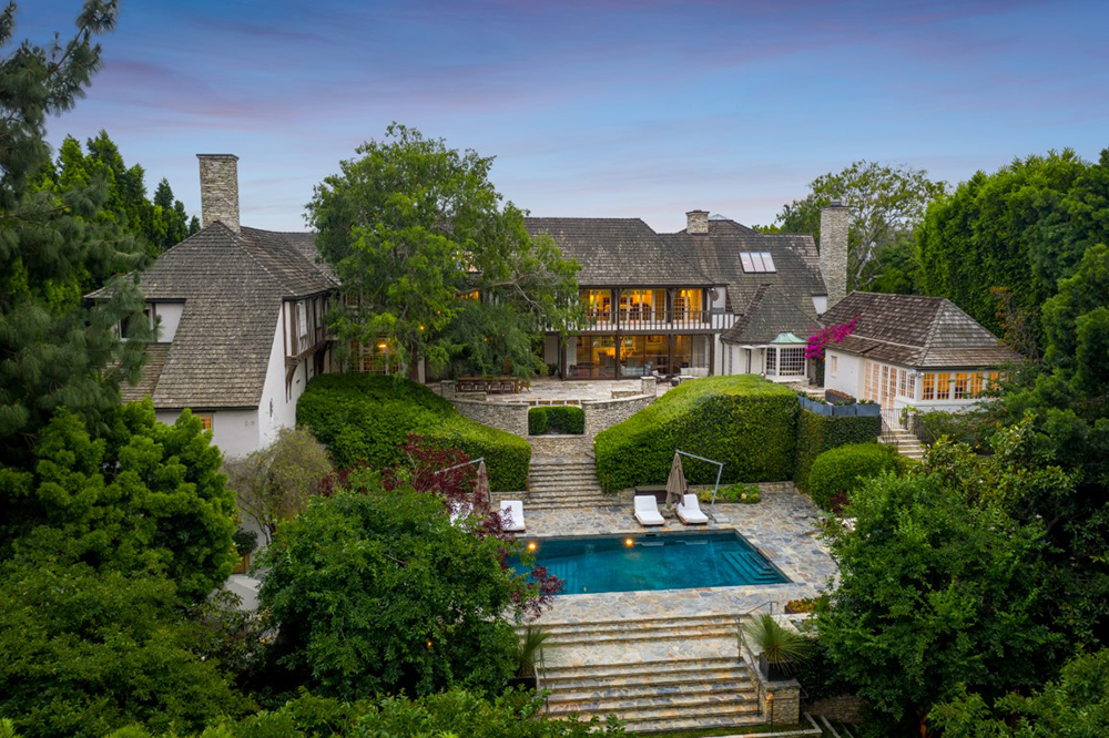 Brad Pit and Jennifer Aniston's newly wed home